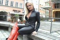 blonde-in-leather